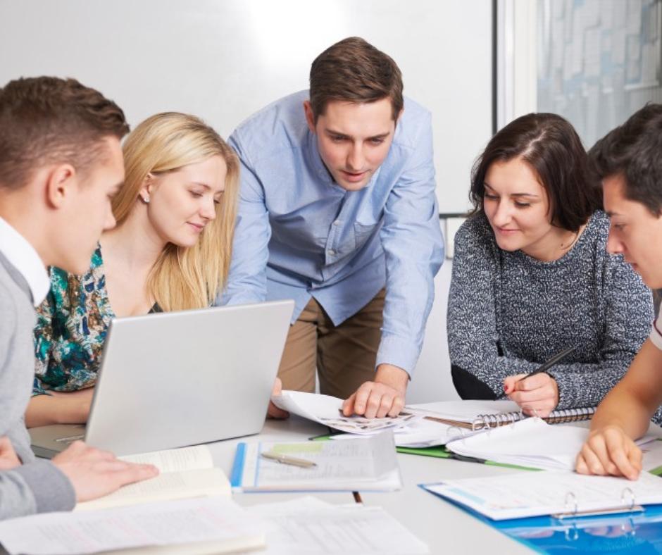 kurs angielskiego dla osób dorosłych w szkole w Łomiankach